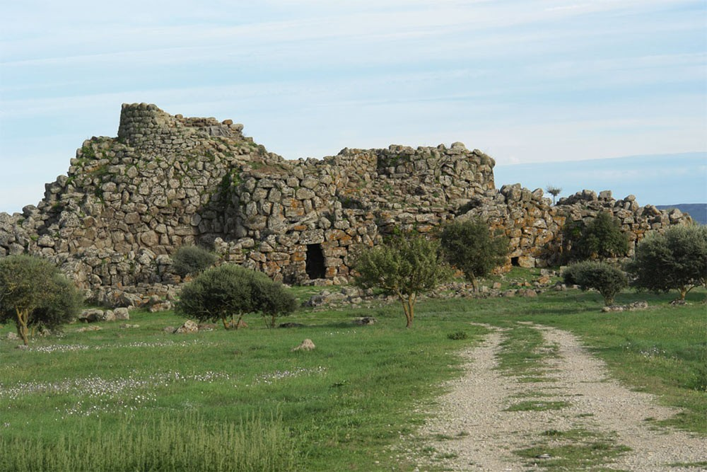 Weird Italy The-Ancient-Megalithic-Nuraghes-in-Sardinia-3 Facts, History & Pictures of the Ancient Megalithic Nuraghes in Sardinia Featured Italian History What to see in Italy  sardinia neolithic castle