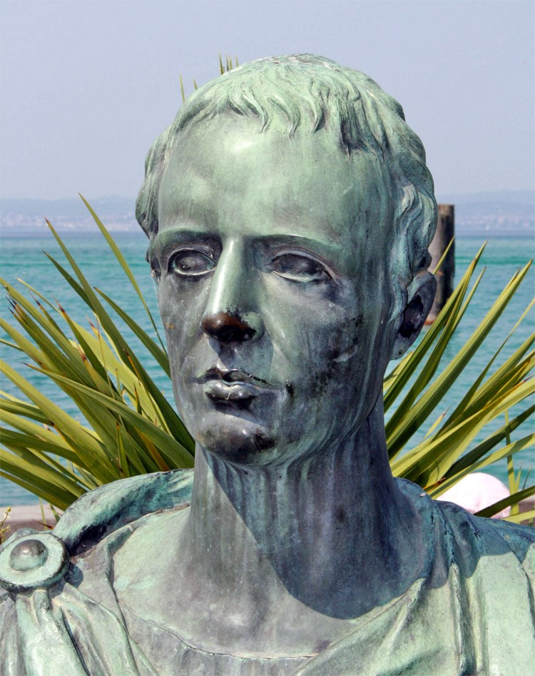 Weird Italy catullus The Grottoes of Catullus, the ruins of a Roman Villa in Sirmione Featured Italian History Magazine What to see in Italy  sirmione roman villa mediterranean climate lesbia Imperial Rome garda lake catullus caves catullus architecture